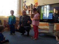 Włączenie przedszkolaków w zabawę