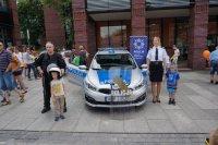 Wspólna fotografia policjantów z dziećmi